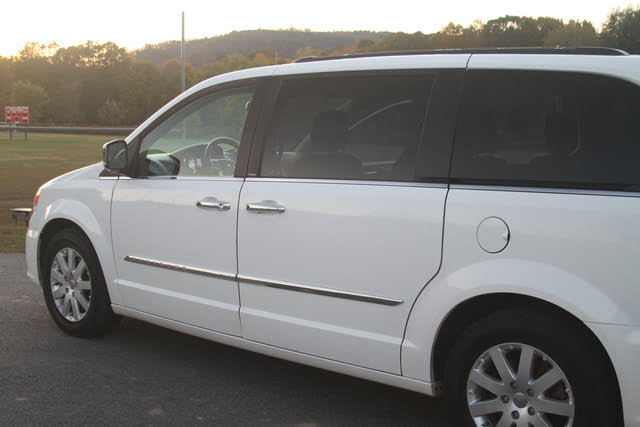 Picture of 2012 Chrysler Town & Country Limited FWD