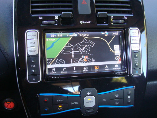Picture of 2016 Nissan Leaf SV, interior, gallery_worthy