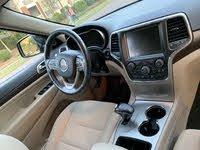 Picture of 2014 Jeep Grand Cherokee Laredo E, interior, gallery_worthy