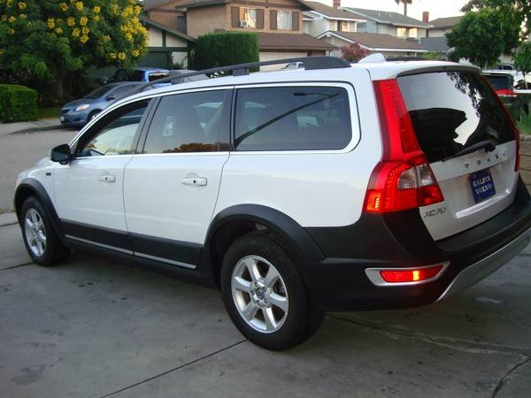 Picture of 2011 Volvo XC70 3.2 AWD