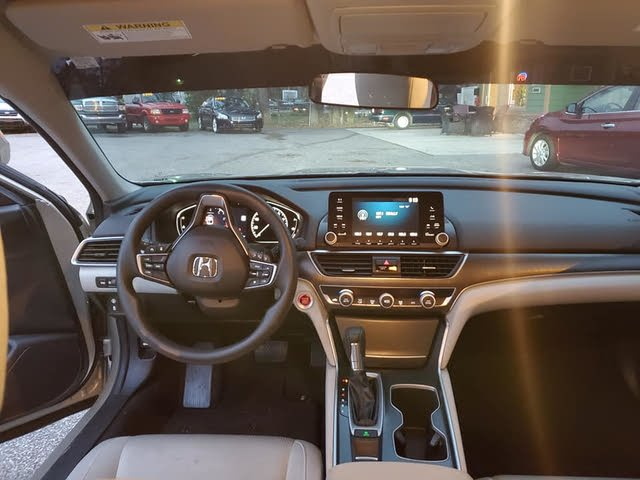 Picture of 2018 Honda Accord 1.5T EX FWD, interior, gallery_worthy