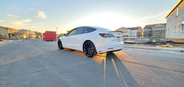 Foto de un 2019 Tesla Model 3 Performance AWD