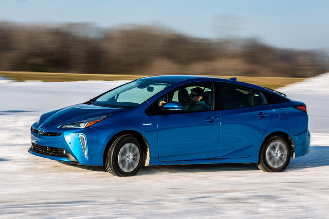 2020 Toyota Prius, Profile/front-quarter view, exterior, manufacturer, gallery_worthy