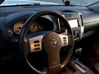 Picture of 2017 Nissan Frontier PRO-4X Crew Cab 4WD, interior, gallery_worthy