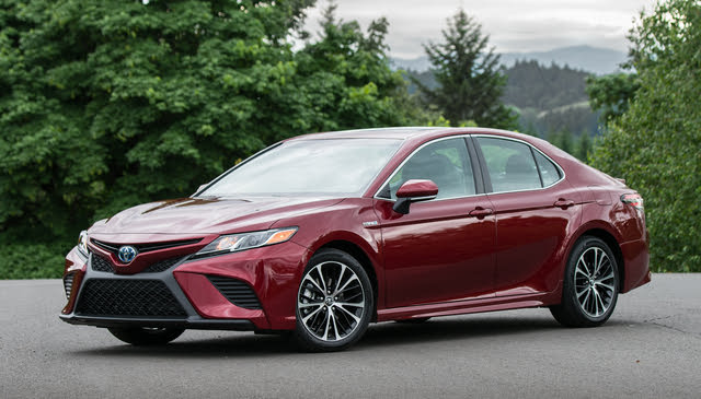 2020 Toyota Camry Hybrid, Front-quarter view, exterior, manufacturer, gallery_worthy
