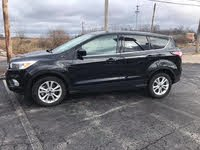 Picture of 2017 Ford Escape SE FWD, exterior, gallery_worthy