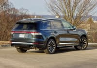 Rear 3/4 profile of the 2020 Lincoln Aviator, gallery_worthy