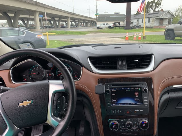 Picture of 2017 Chevrolet Traverse 2LT FWD, interior, gallery_worthy