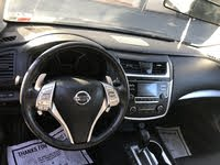 Picture of 2016 Nissan Altima 2.5 SR, interior, gallery_worthy