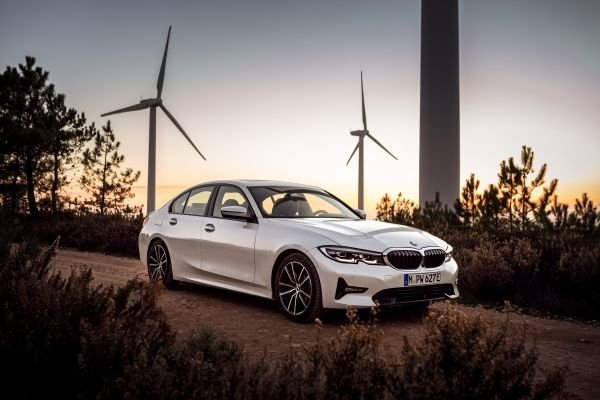 2021 BMW 3 Series 330e (European Model)