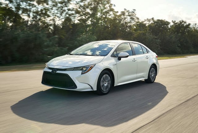 2021 Toyota Corolla Hybrid front-quarter view in motion