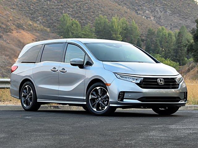 2021 Honda Odyssey Elite Lunar Silver Front View