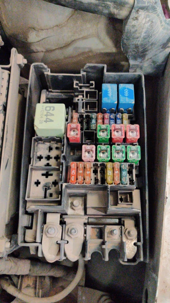 Volkswagen Passat Questions - vw passat 2012 b7 fuse box ...