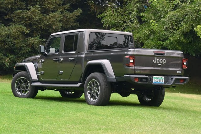 2021 Jeep Gladiator rear three quarter