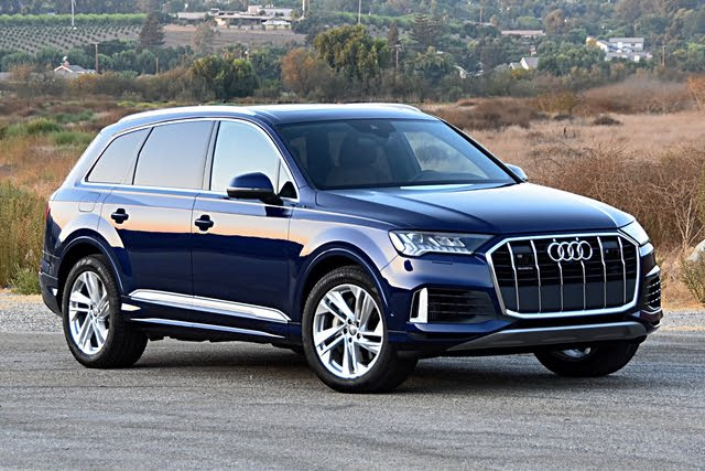 2020 Audi Q7 front three quarter