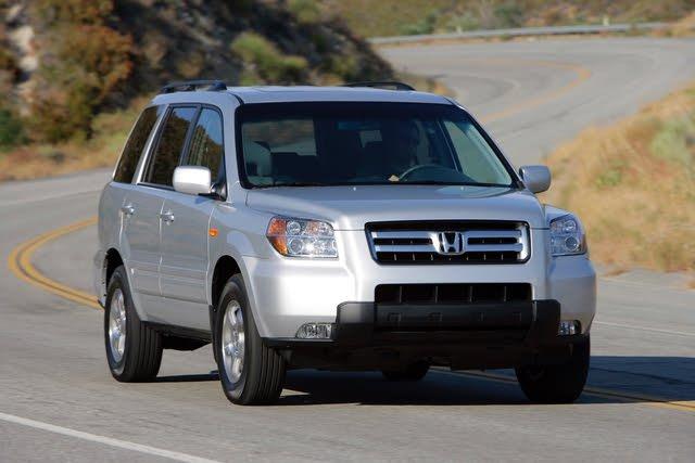 2007 Honda Pilot driving
