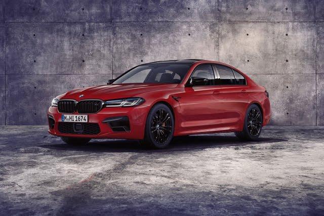 2021 BMW M5 front three quarter