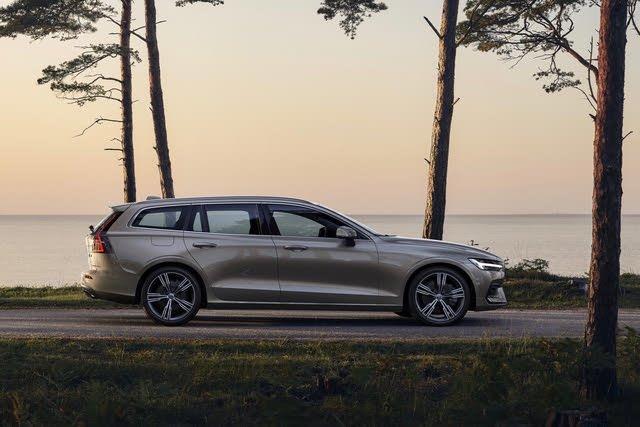 2021 Volvo V60 profile