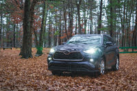 2021 Toyota Highlander front-quarter view headlights, exterior, gallery_worthy