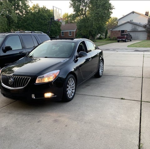 2012 Buick Regal Premium II Turbo Sedan FWD
